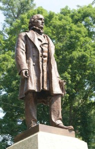 Statue-of-Horace-Greeley