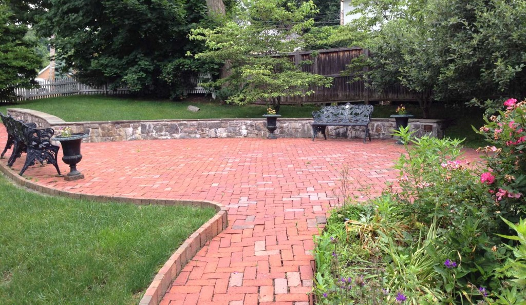 The patio at the Horace Greeley House